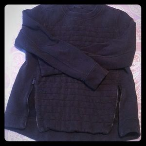 Quilted lululemon sweatshirt with side zippers